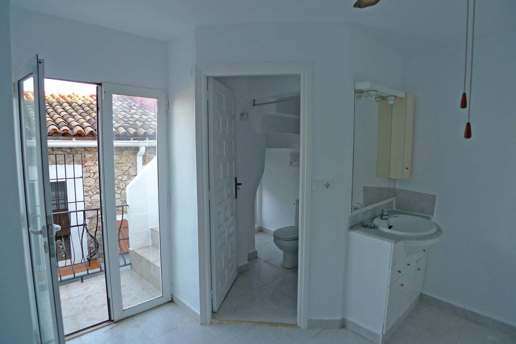 wohnung zum verkauf in sagra ref qgp 00220. Black Bedroom Furniture Sets. Home Design Ideas